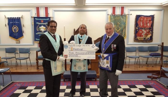 W Bro Sanjay Mehta Charity Steward (L); W Bro Sandeep Berry WM (C) W Bro John Briggs ProvGChStwd (R)